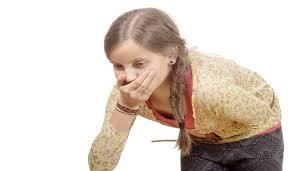 اسباب الترجيع عند الاطفال تشمل التسمم الغذائى والتهاب المعدة - اليوم السابع