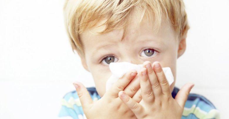 نزلات البرد عند الأطفال الأعراض والأسباب وكيفية العلاج والوقاية
