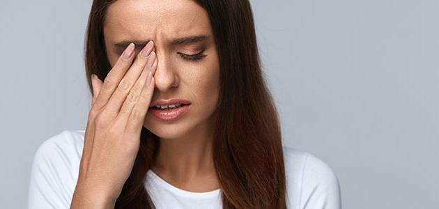 سرطان الجلد في العين ما هي الأعراض والأسباب وكيف يتم علاجه؟