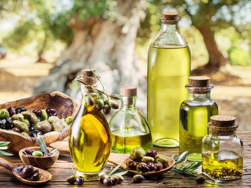 أهم فوائد زيت الزيتون للبشرة والجلد وكيف يدخل في منتجات العناية بالبشرة؟