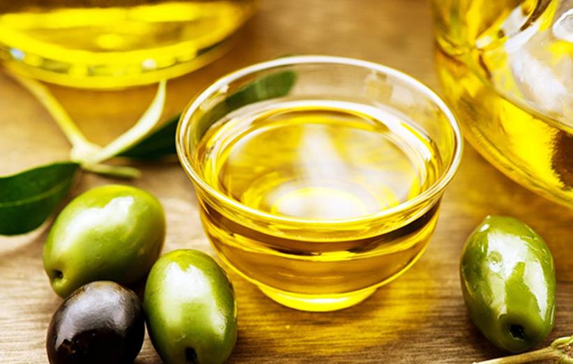 استخدام زيت الزيتون في علاج الإمساك وفاعليته في التخفيف منه